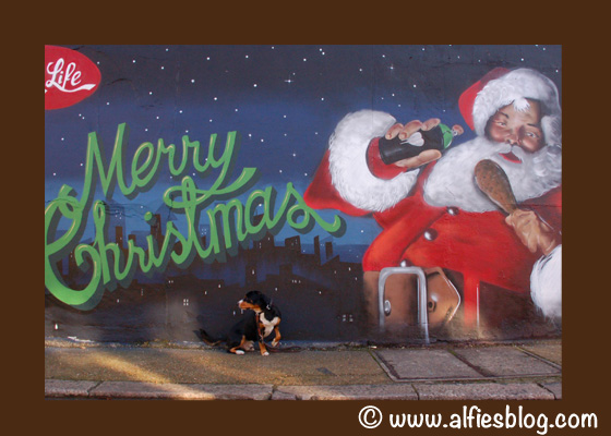 Merry-Xmas-Santa-Dog-Graffiti